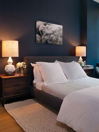 Camera da letto blu e bianca idee e spunti di design - Parete nera camera da letto ...